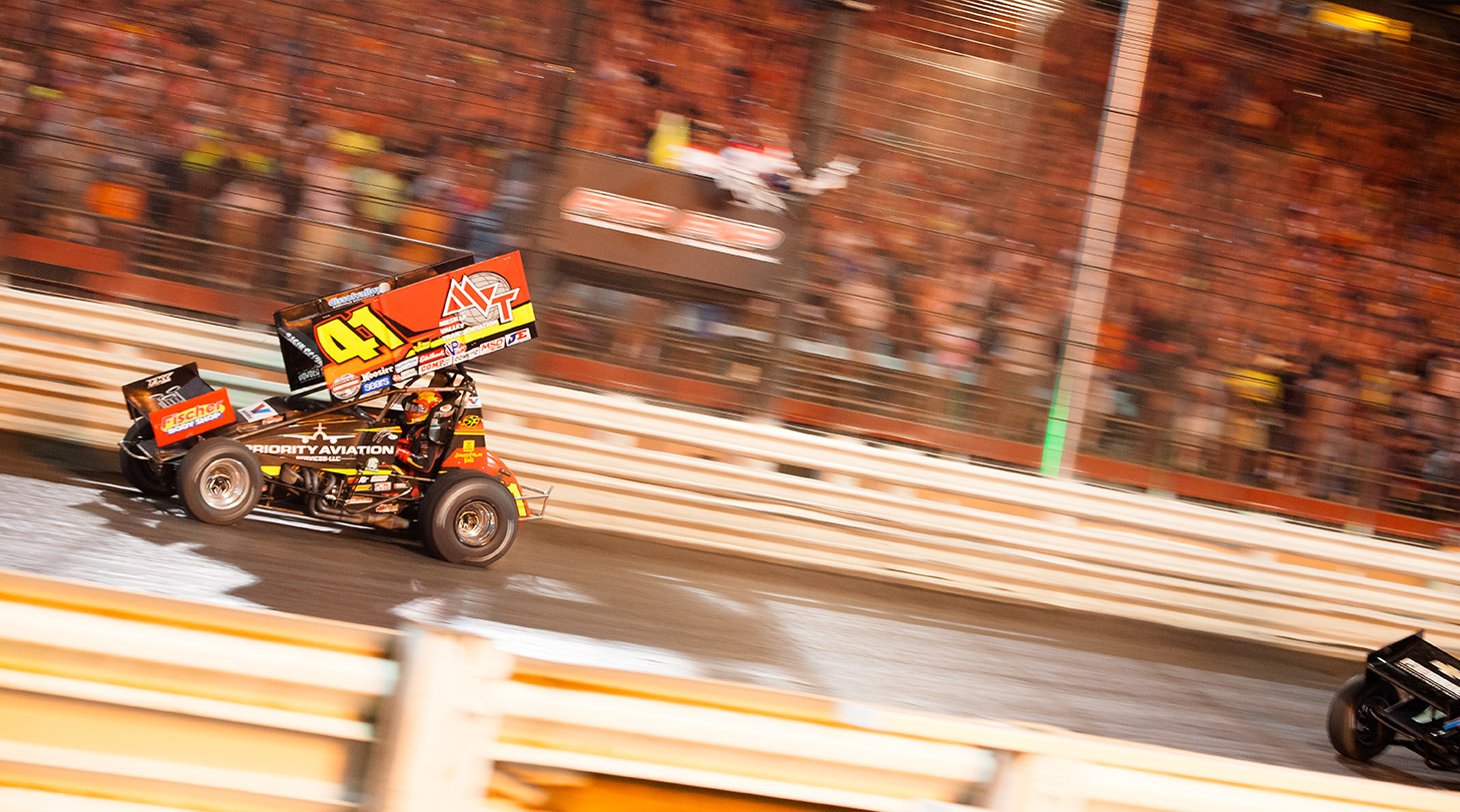 Jason Johnson crosses the finish line to win The 2016 Knoxville Nationals