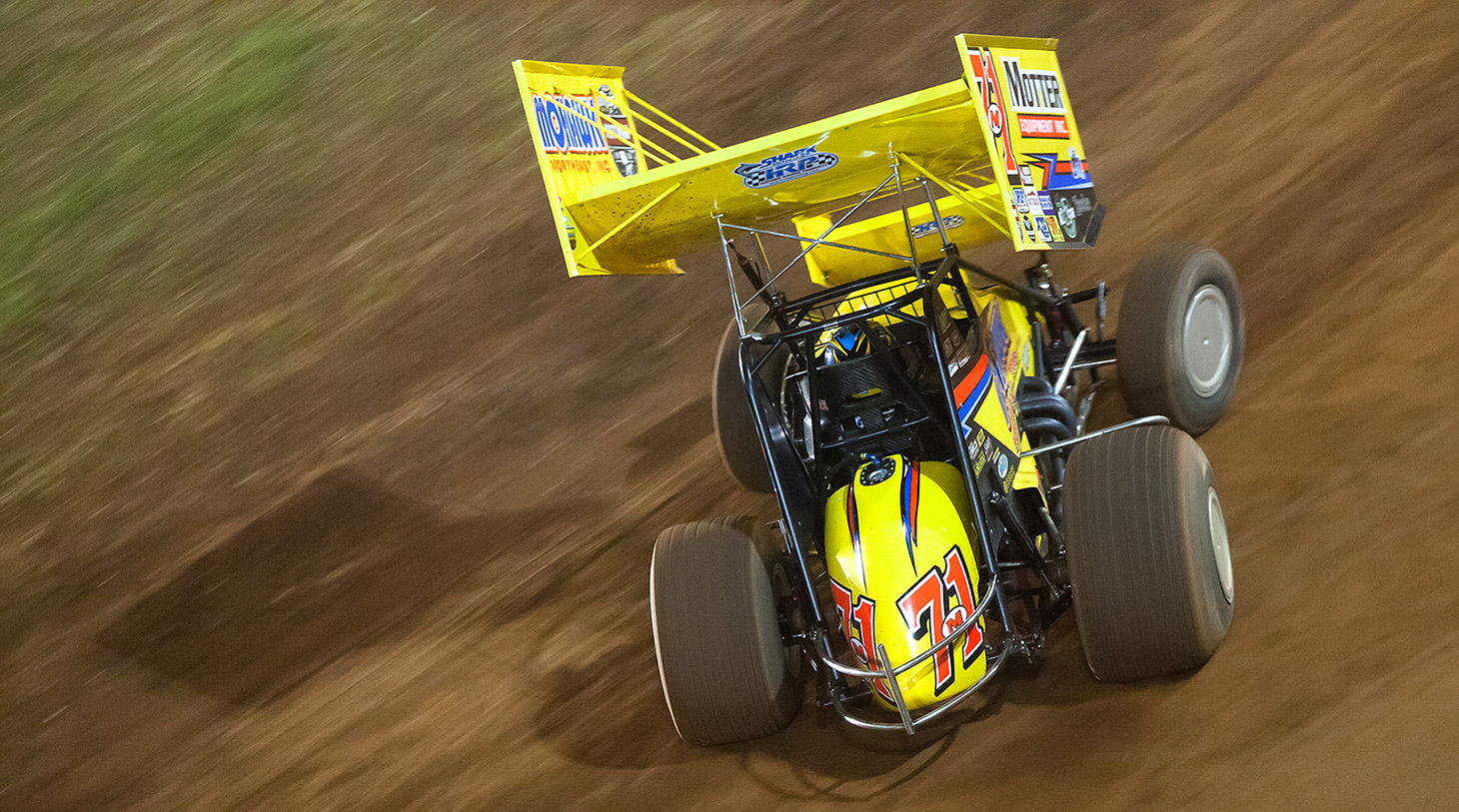 71m Dave Blaney on the gas into turn 1 at The Dirt Track at Charlotte